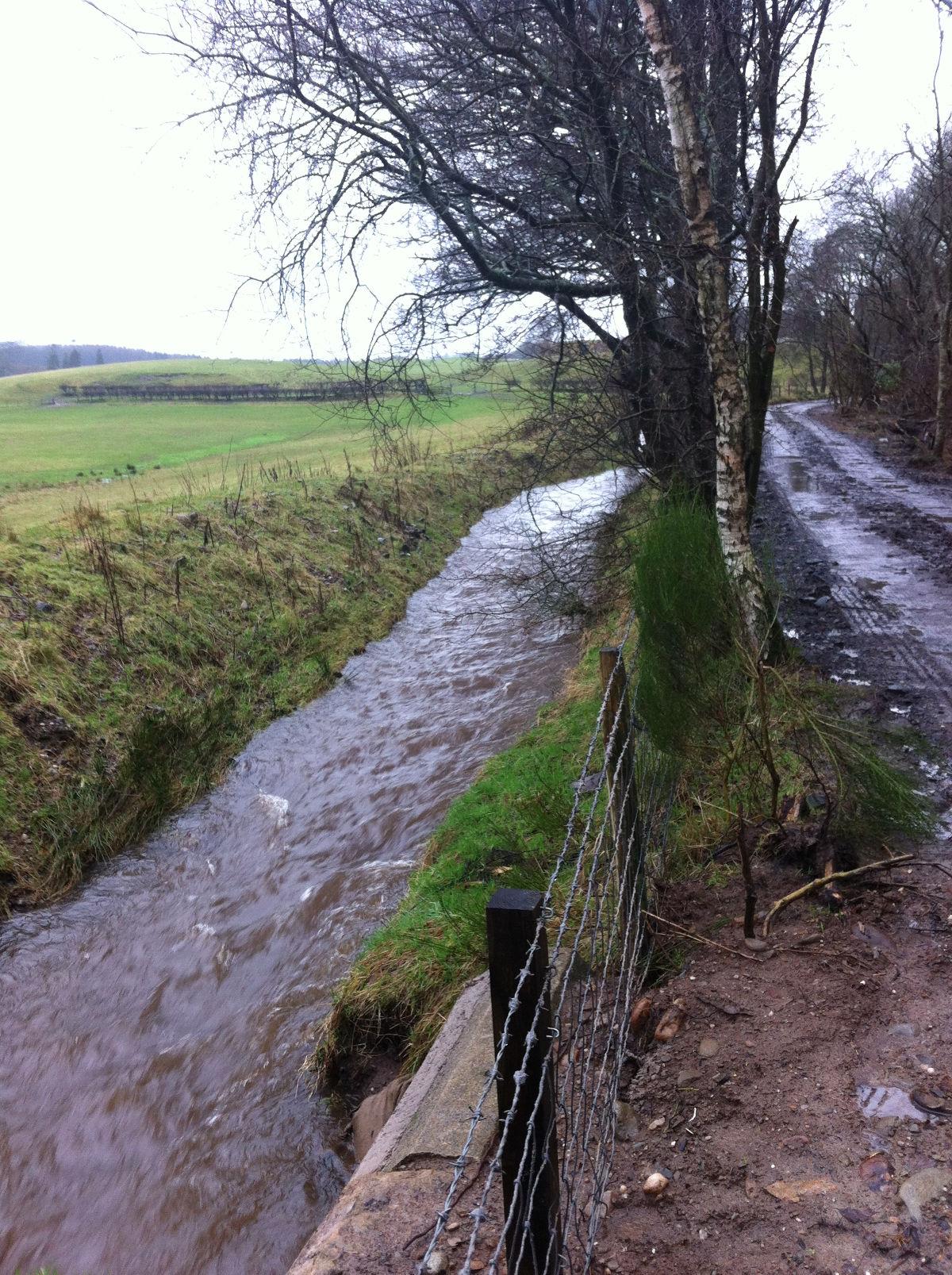 Calzibohalzie Windfarm walk stream