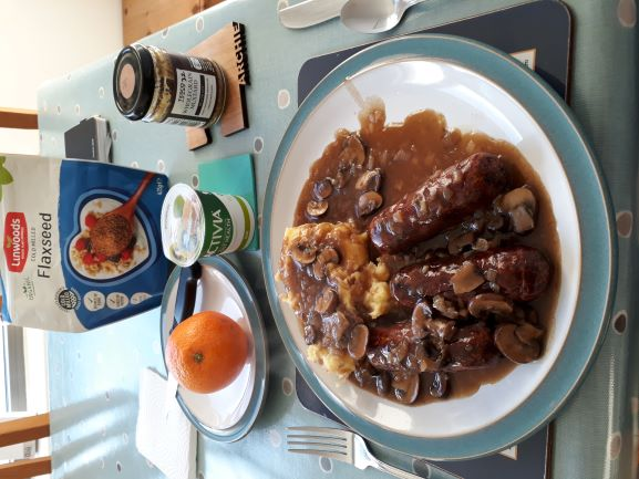 Bangers And Mash With Vermouth Sauce