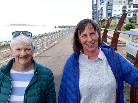 Smiles Nos. 266-267 Marilyan And Sheila From Portobello And Trinity, Edinburgh