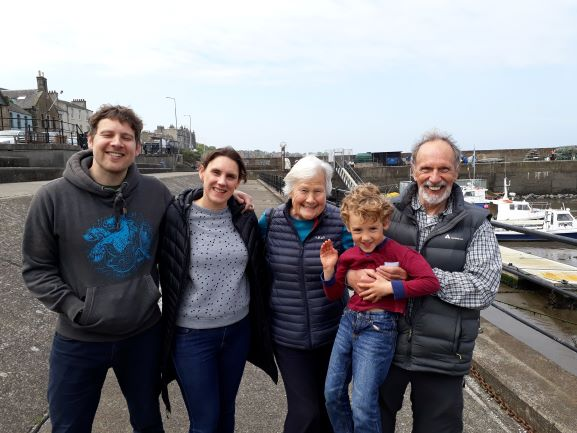 Smiles Nos. 268-272 Simon, Sharon, Gill Steph And Young Sam From Trinity in Edinburgh